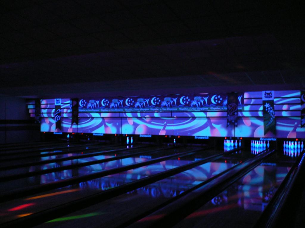 cosmic bowling Mississuaga